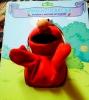 """Детская книга """"Элмо и его друзья"""" с мягкой игрушкой"""