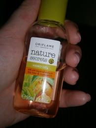 Антибактериальный гель для рук Oriflame Nature Secrets «Чайное дерево и мандарин»