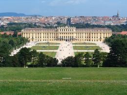 Дворец Шёнбрунн в Вене (Австрия)