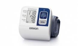 Измеритель артериального давления и частоты пульса автоматический на запястье Omron R2