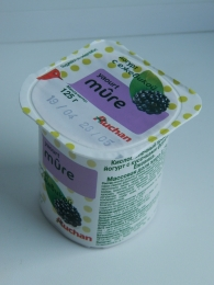 Йогурт Auchan Mure с ежевикой