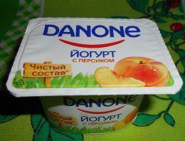 Йогурт Danone с персиком