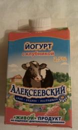 """Йогурт """"Алексеевский"""" с клубникой 2,5%"""