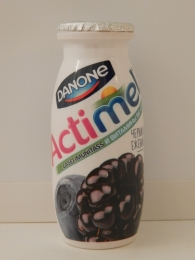 """Кисломолочный продукт """"Actimel"""" черника ежевика"""