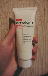 Крем Emolium для сухой и очень сухой кожи