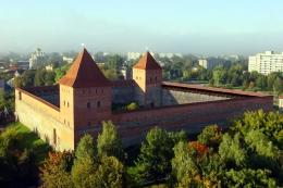Лидский замок (Беларусь, Лида)