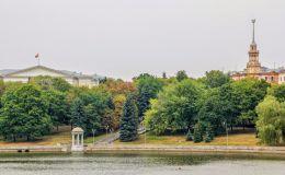 Набережная реки Свислочь (Минск, Беларусь)
