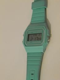 Наручные часы H&M, бирюзовые