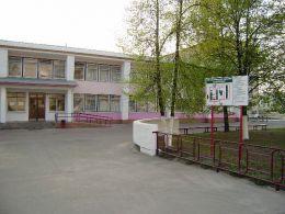 Петриковская центральная районная больница (Гомельская обл, г. Петриков, ул. Луначарского, 5)