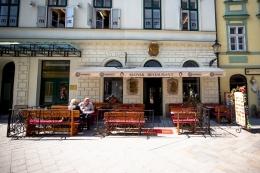 Ресторан U Prasiatka в Братиславе (Словакия)