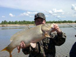 Рыбалка на реке Волга (Россия, Саратовская область)