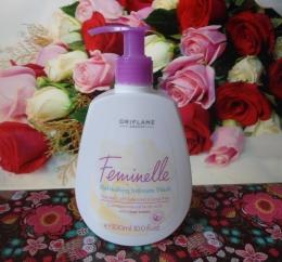 """Средство для интимной гигиены с розовой водой Oriflame """"Feminelle"""""""