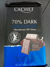 Темный шоколад Cachet Extra dark 70%.