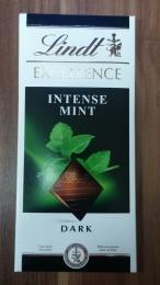 Темный шоколад Lindt Dark Excellence Intense Mint