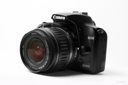 Цифровой зеркальный фотоаппарат Canon 1000D