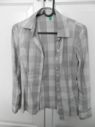 Женская рубашка Benetton серая, в клетку