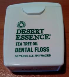 Зубная нить Desert Essence tea tree oil Dental Floss