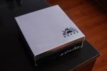 Внешний вид коробки от женских ботильон на устойчивом каблуке Admlis