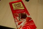 "Упаковка молочного шоколада Alpen Gold ""Клубника с Йогуртом"""