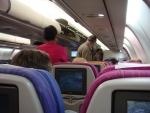 Внутри самолета (Thai Airways)