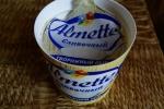 Упаковка творожного сыра Hochland Almette сливочного