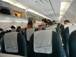 Перелет Spring Airlines Макао-Шанхай - чистый и опрятный салон
