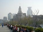 Набережная Вайтань в Шанхае - очень хорошо обустроена