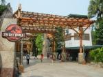 Парк развлечений Universal Studio на острове Сентоза в Сингапуре - есть даже парк Юрского периода! :)