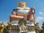 Храм Плай Лем на острове Самуи - статуя Будды вблизи