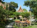 Храм Плай Лем на острове Самуи - красивое оформление территории