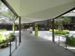 Зоопарк Singapore Zoo в Сингапуре - проход от автобуса