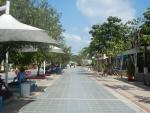 Прогулочная территория в аэропорту острова Самуи