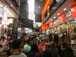 толпы на улицах Бангкока