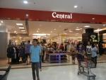 Торговый центр Central Festival на Пхукете - много одежды на любой вкус