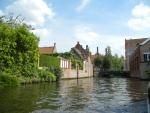 Прогулка на лодке по реке в Брюгге