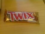 Шоколадный батончик Twix в упаковке