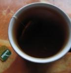 Чай в процессе заваривания (фото без вспышки)