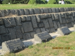 могилы у памятника