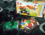 "Lego Duplo ""Фермерский квадроцикл"" 5645, внутренности коробки"