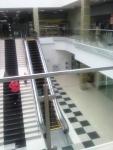 Эскалатор для подъема на второй этаж