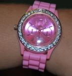 Циферблат розовых часов