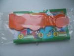 Ложечка для мороженого, которая находитяс внутри упаковки
