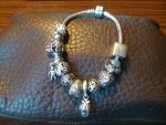Браслет Pandora c шармиками
