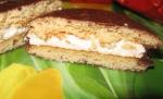 """Печенье прослоённое глазированное Lotte """"Choco Pie"""". В разрезе"""