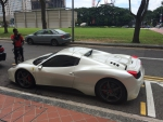 В Сингапуре мало машин, и если есть, то только такие, а такси там - это Мерседесы