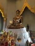 Самое большое золотое изображение Будды находится в китайском квартале (статуя сделана полностью из золота)