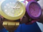 желтые и розовые часы женева