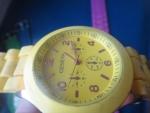 желтые часы женева