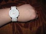 Наручные часы с силиконовым ремешком Geneva, на руке (циферблат)