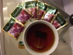 Пакетик заваренный второй раз, вкус не меняется и чай тоже заваривается нормально